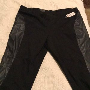 NWT black leggings faux leather side22W skinny leg